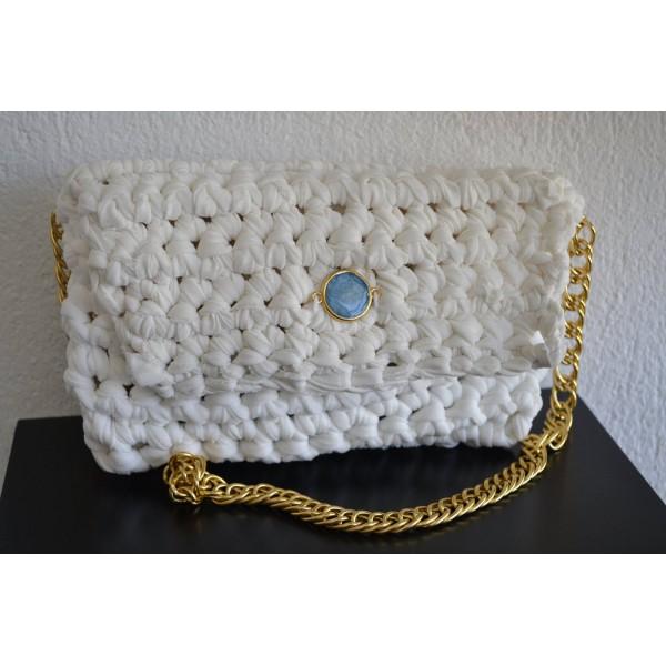 Χειροποίητη τσάντα σε άσπρο χρώμα