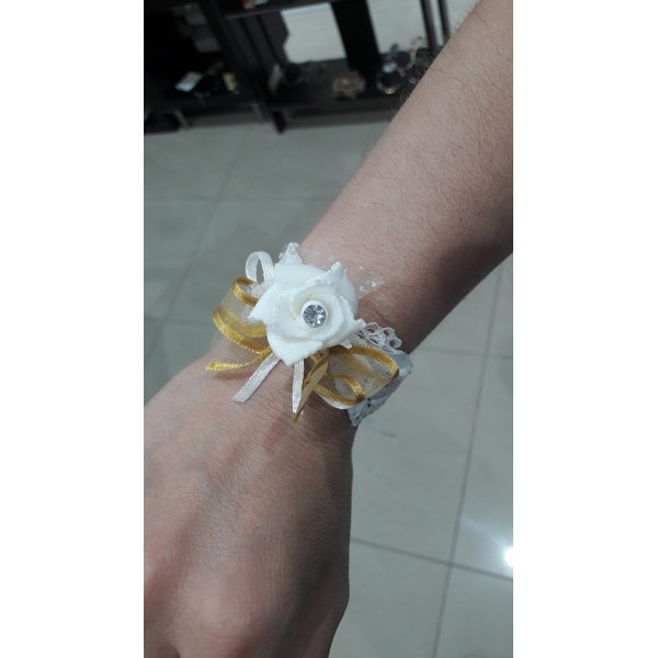 Bachelor bracelet white rose